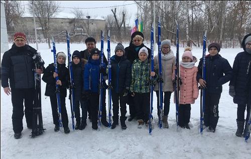 Лыжи школьникам