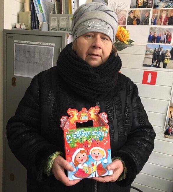 Сладкие подарки от депутата Серпера