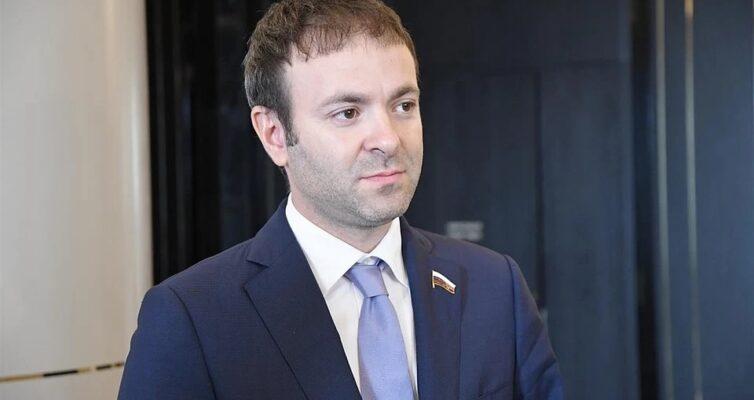 Евгений Серпер отметил важность внесенных президентом предложений по соцподдержк